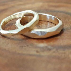 טבעות נישואין מצולעים