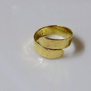 טבעת בסיבוב וחצי